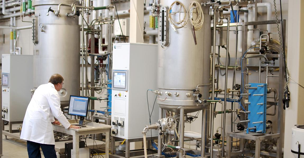 A research using the 1000 liter fermenter in the Biochemical Processing Train.